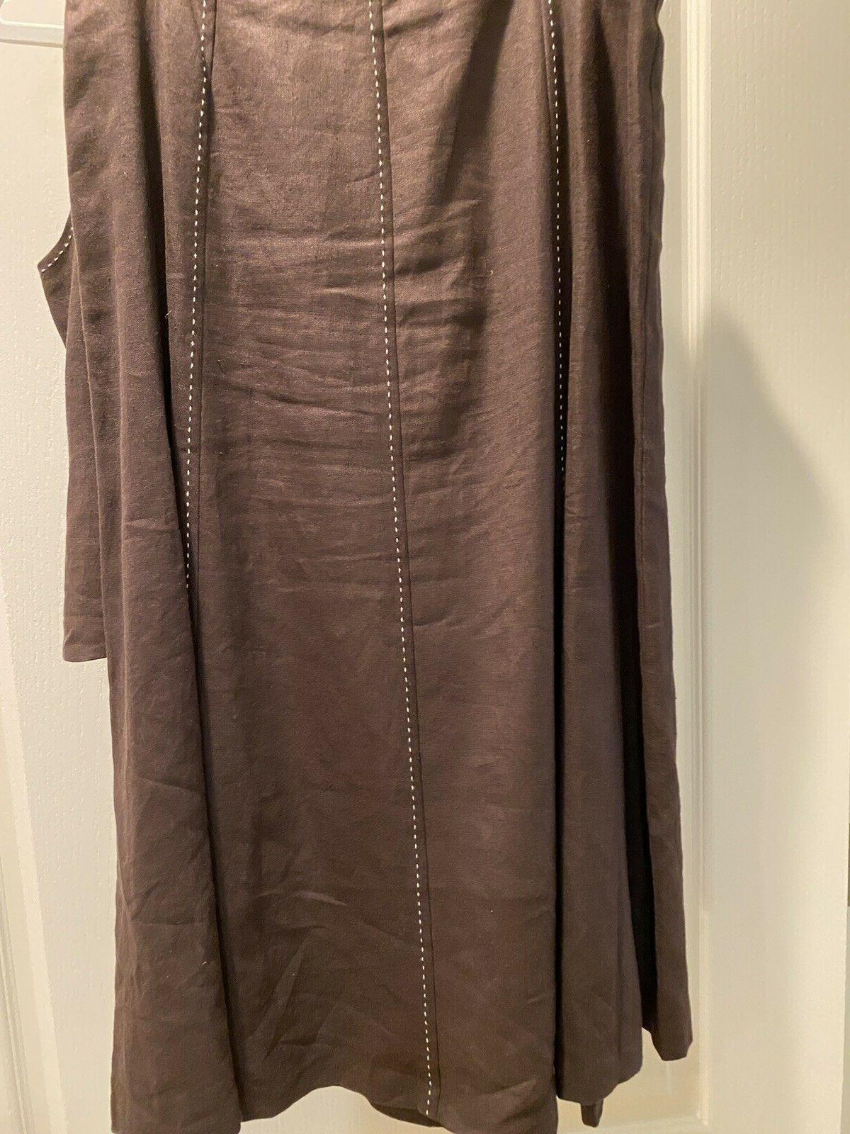 NWT, Talbots 2 sleeveless brown with white top-stitch,